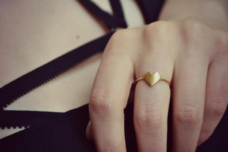 Engagement ring design: with and without stones